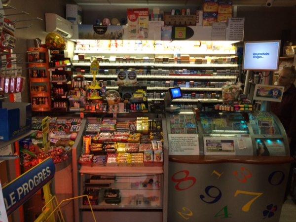 Tabac Presse Loto Loterie Epicerie - Fort potentiel de développement - Bar Tabac PMU